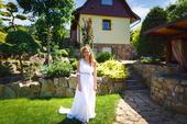 Šaty bílé zdobené - slušivé, 36