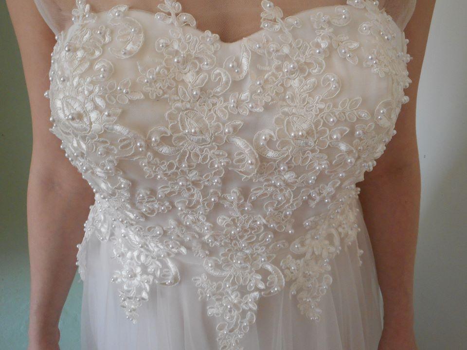 Svatební šaty -velmi slušivé - Obrázek č. 4
