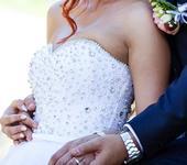 Svadobné šaty s kamienkovym korzetom, 37