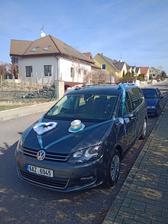 Takto krásně vyzdobil svatební auto Michal se svou sestrou