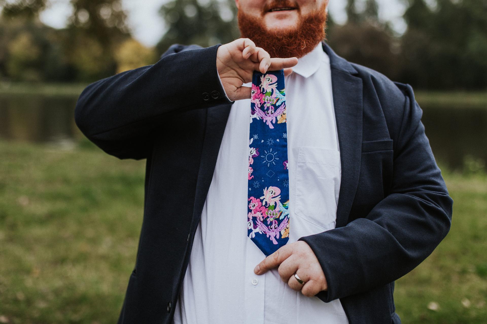 J+J - chtěl poníkovou kravatu, no tak jsem mu sehnala poníkovou kravatu :-D