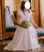 Svadobné šaty na štíhlu postavu, 40