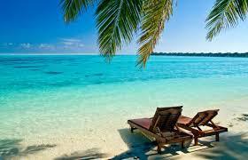 o tomto bude obyvacka! bezova ako piesok, tyrkysova ako more, zelena ako palmy, tmavohneda ako kôra palmy alebo lehátka :-)