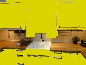 kolaz ako vyzera zlta kuchyna s drevenou doskou pracovnou.... ide to k sebe :-)