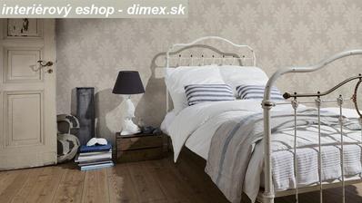 pekný priestor s touto tapetou ornamentálnou.....