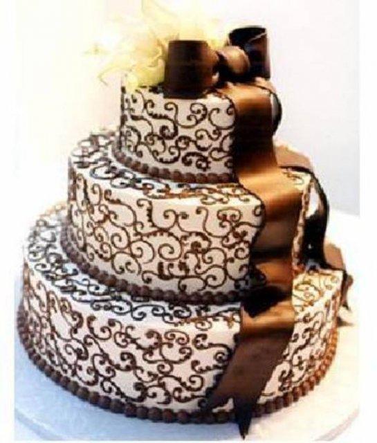 Vanilkovo-cokoladova svadba - Takyto tvar bude mat moja torta, no dizaj z predosleho obrazku.takisto nadherny ornamentalny vzor - ale bez masle!!