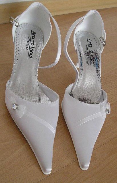 Náš deň 5.september 2009 - moje topánočky,ktoré som dlho zoháňala,ale oplatilo sa