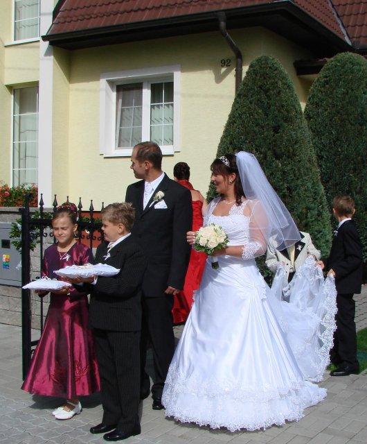 Lucia Gahírová{{_AND_}}Peter Hosťovecký - na sobáš do kostola