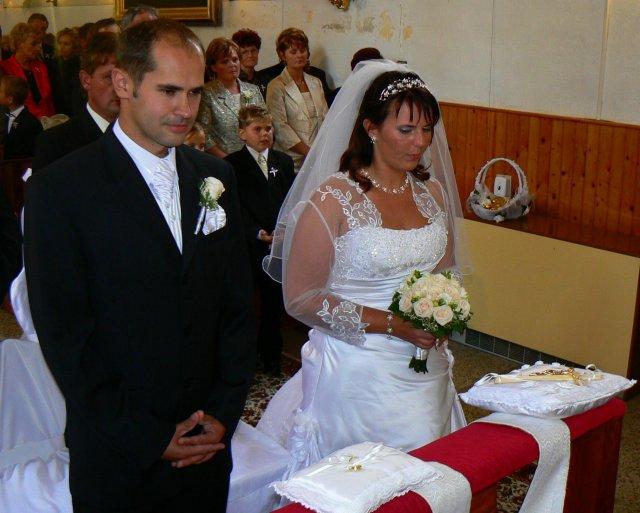 Lucia Gahírová{{_AND_}}Peter Hosťovecký - foto z kostola