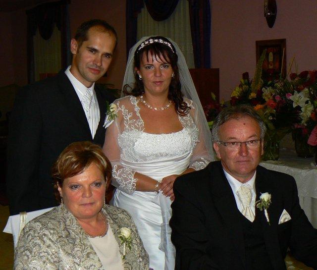 Lucia Gahírová{{_AND_}}Peter Hosťovecký - s mojimi rodičmi