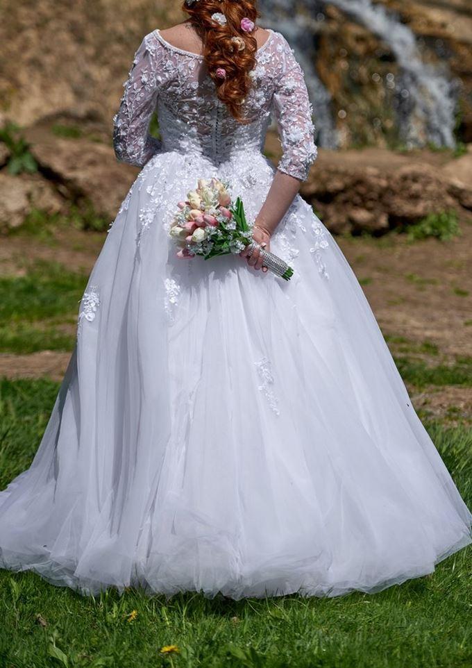 Svadobné tylové šaty s čipkovaným zvrškom - Obrázok č. 1
