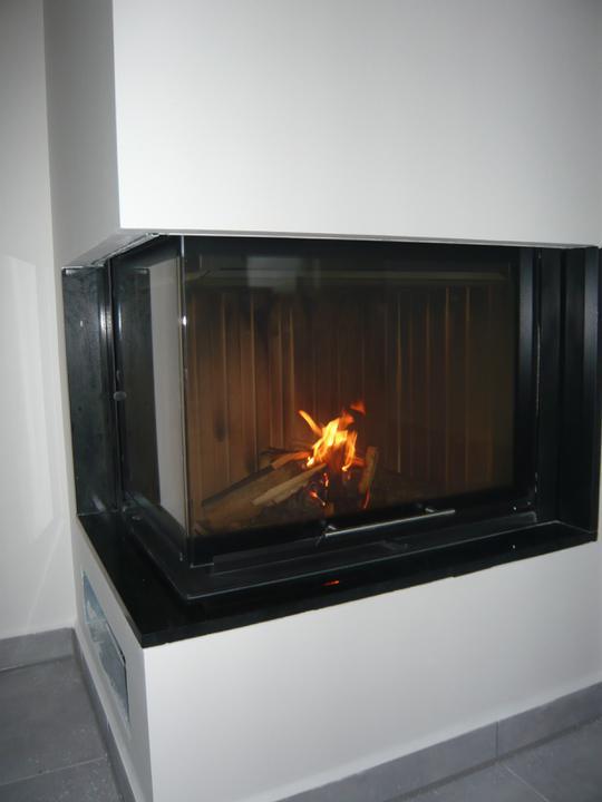 Náš domček2 - V krbe krásne horí...