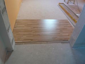 Takáto podlaha bude na celom poschodí.