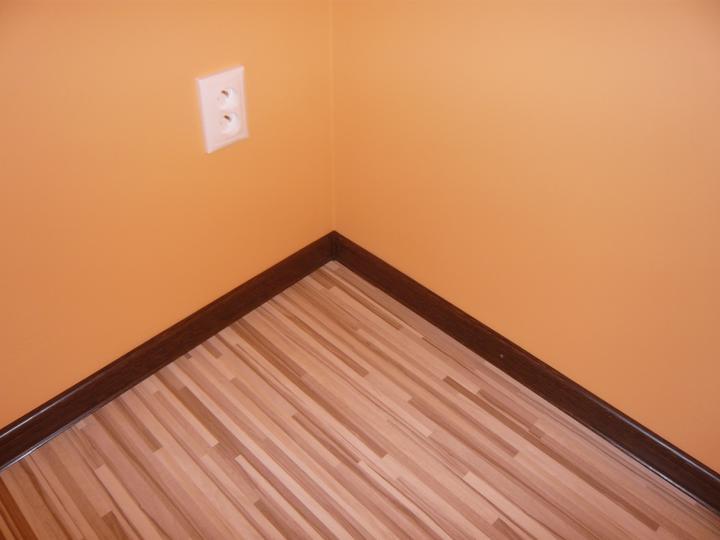 Náš domček2 - detail na roh v spálni.