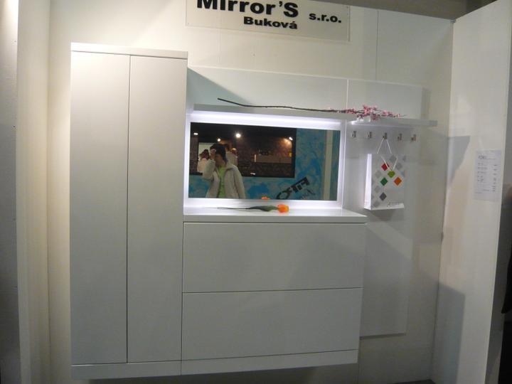 Nitra 2012 - takéto niečo chcem do zádveria. super nábytok.