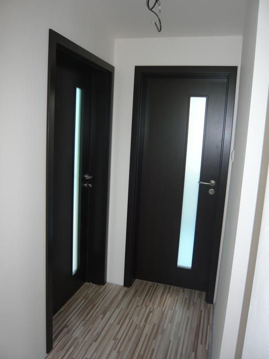 Náš domček2 - dvere do detskej a kúpelne.