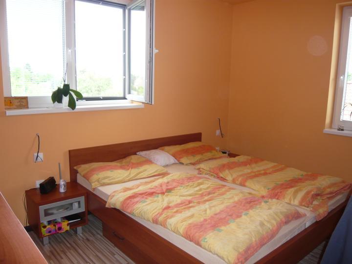 Náš domček2 - Naša spálňa zatiaľ bez lámp