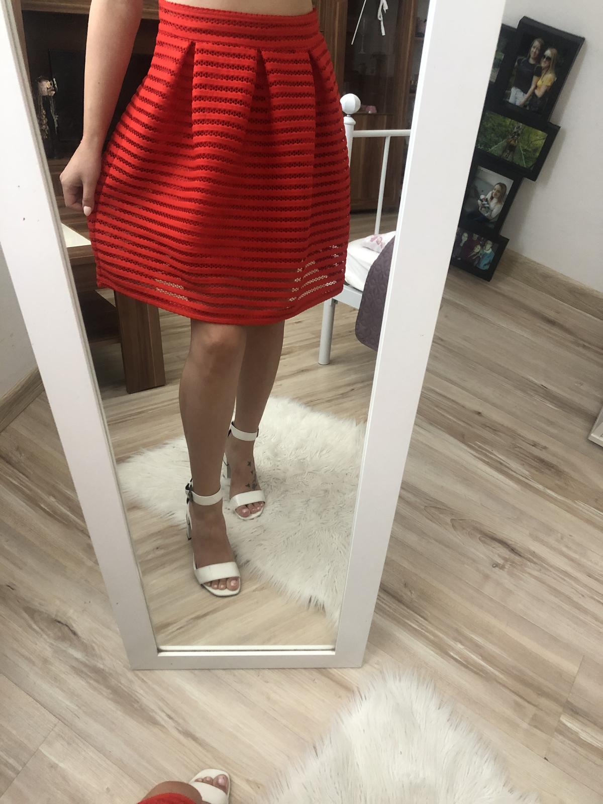 Spoločenská sukňa - Obrázok č. 1