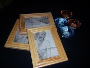 tak tohle jsou svícínky a rámečky pro rodiče na fotky :-)