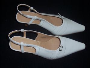 moje svatební botičky téměř za hubičku :-)