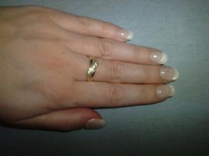 Moje nové gelové nechty s perleťovou špičkou :-)