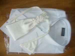 košeľa a kravata ženícha