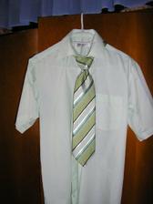 Moja popolnočna košela je nadherna v zelenej farbe