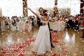 Naša krásna svadbička - tak takto vyzerá srdiečkový ohnostroj alebo lupienkový v realite
