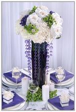 Na stole budou čtyři vysoké vázy v tomto stylu :)