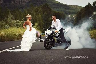 Tato fotka nebude v nasem svatebnim albu chybet. luxus! ;-)