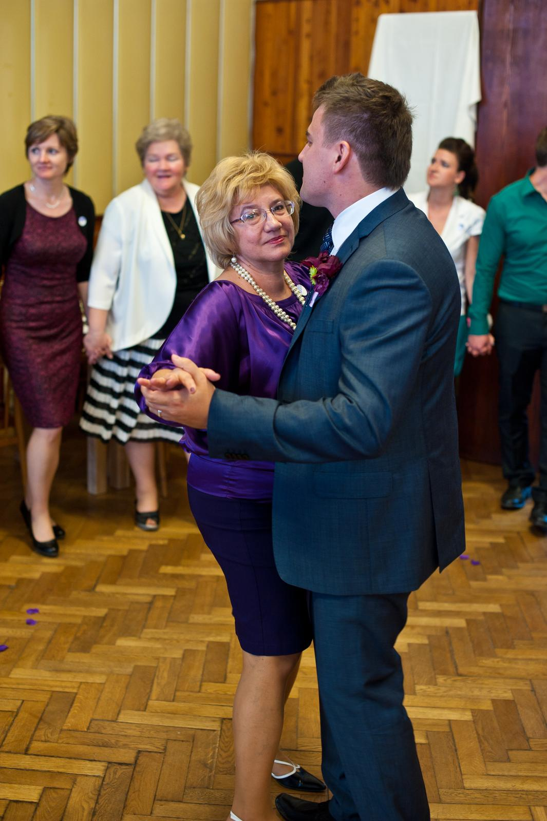 Veronika{{_AND_}}Radek - Ženich s maminkou