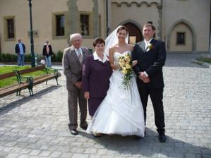 s babičkou a dědečkem...