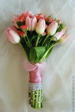 Mám moc ráda tulipány a tak bych i z nich chtěla mít svatební květinu