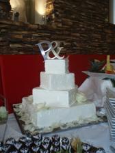 Svatební dort...a ozdobené jahůdky...