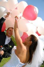 pouštění balónků...
