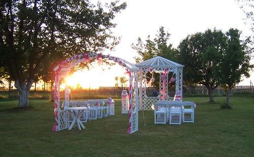 partystany - Svatební altán  - svatba na soukromé zahradě