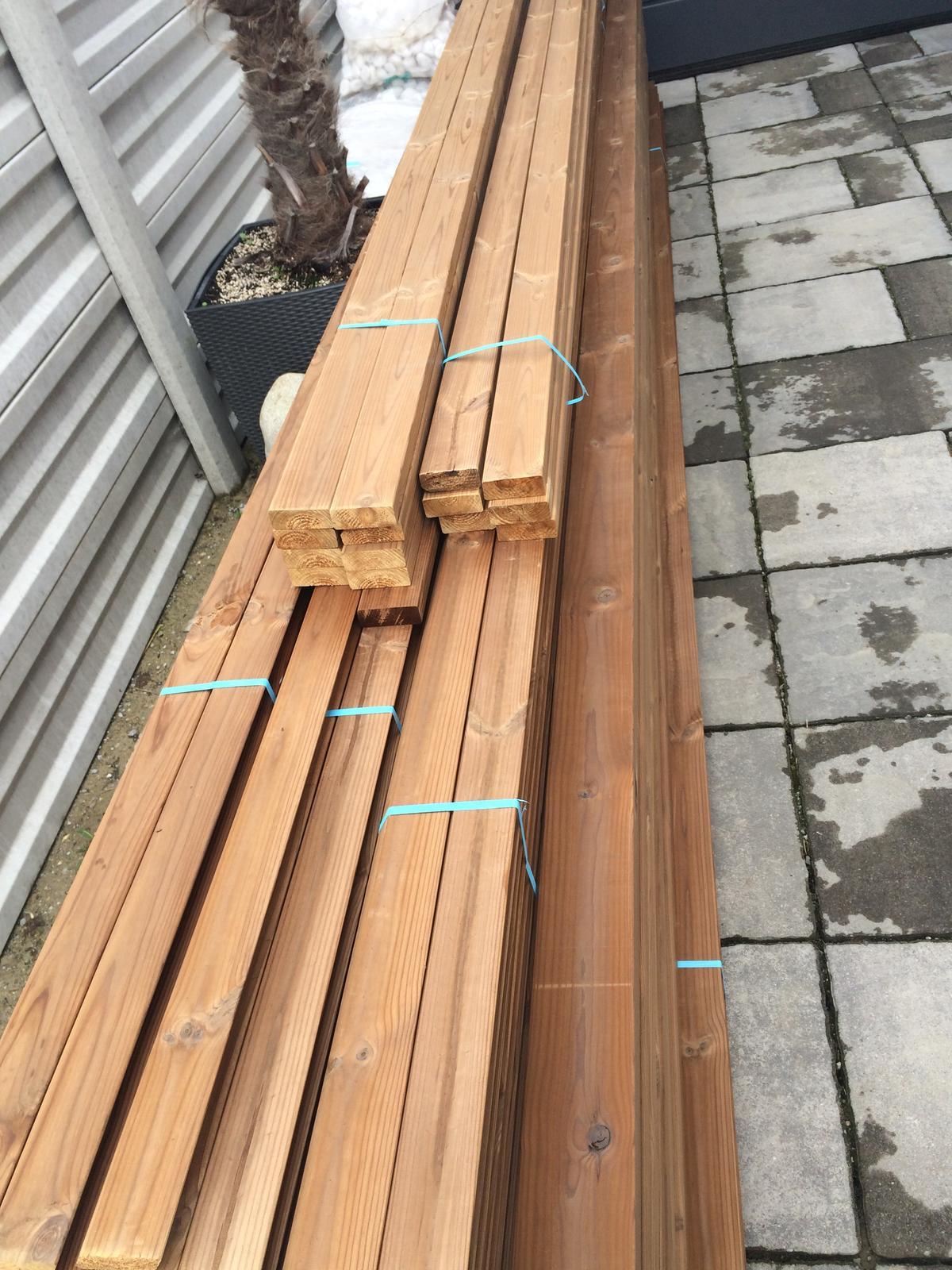 Zahradka - Upečené drevo :)
