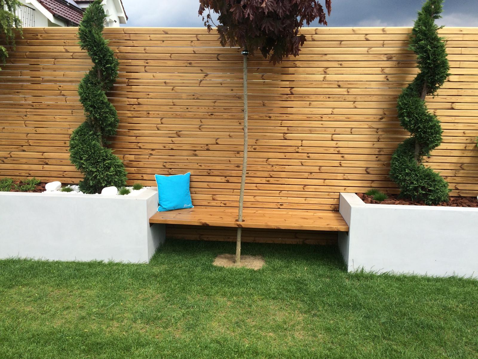 Zahradka - nedokoncena lavica 2m