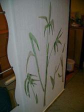bambus na těně v chodbě