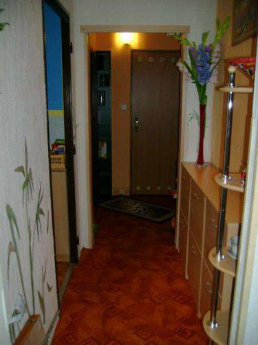 Náš malý byteček - už je to uděláno už je to hotovo :-) - chodbička z pohledu od vchodových dveří