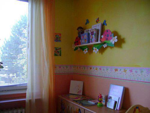 Náš malý byteček - už je to uděláno už je to hotovo :-) - Jájinky pokojíček je nádherně prosvětlenej a vyloženě holčičí