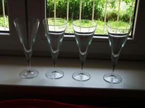 koupeny sklenice na svíčky