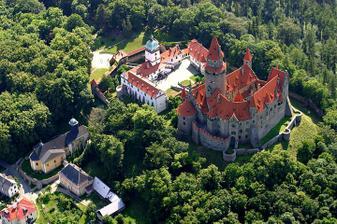 hrad Bouzov - Velmi romantické místo na svatbu :-)