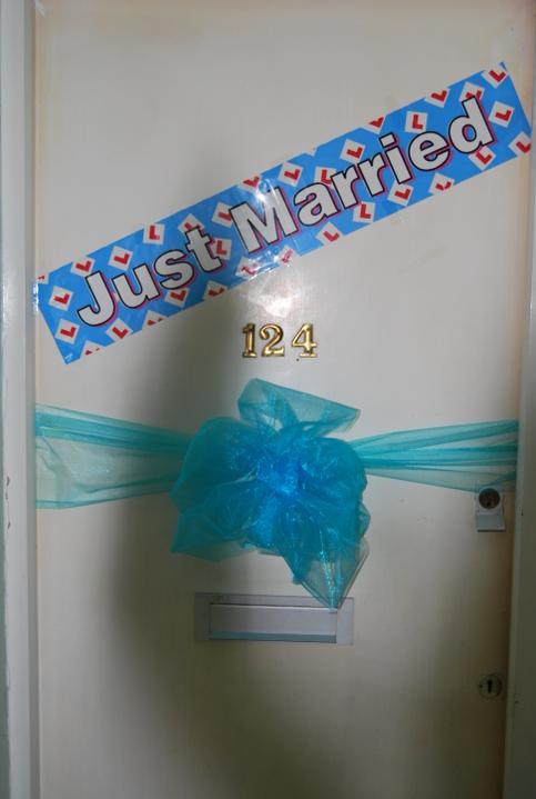 Lulu{{_AND_}}Jason Williams - Takto som si vyzdobila dvere :)