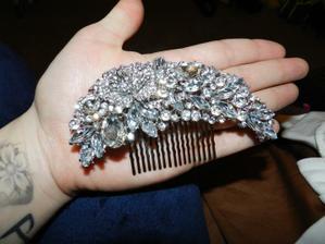 Milujem to,bude vyzerat uzasne vo vlasoch:))