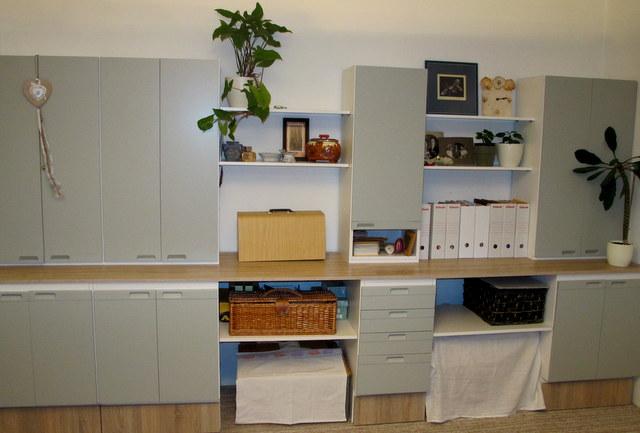 Staré věci v novém kabátě - V pracovně stará kuchyň bude ještě nejakou dobu sloužit :)
