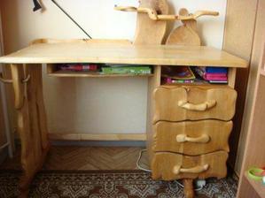 písací stolík pre neterku