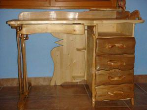 stolík mojej Zuzky