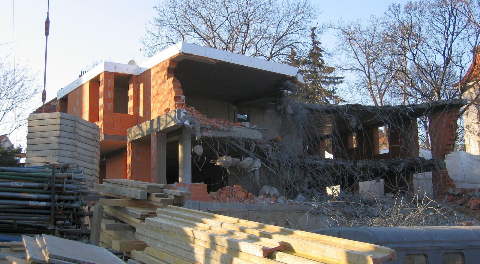 Odstranění nevhodně založené stavby... - Obrázek č. 1