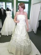 tak to už jsem já v prvních, škoda, že jsou tak těžké :( na svatbu v listopadu by byly supr :-D